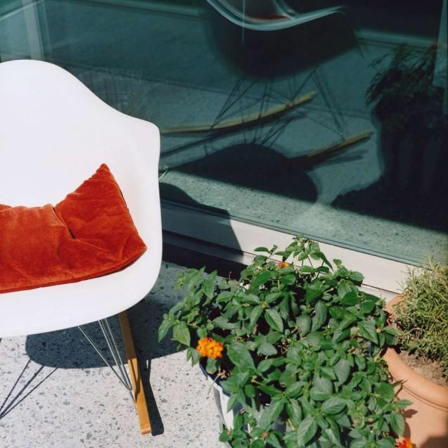 Eames Plastic Armchair RAR